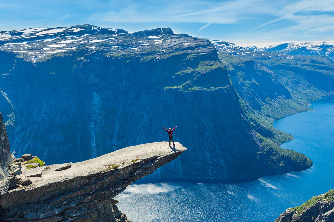 Can you have income when on holiday in Norway?