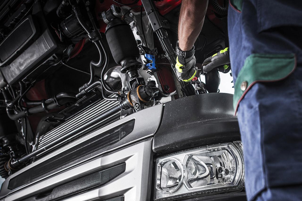 Trucks Mechanic / Bus Mechanic